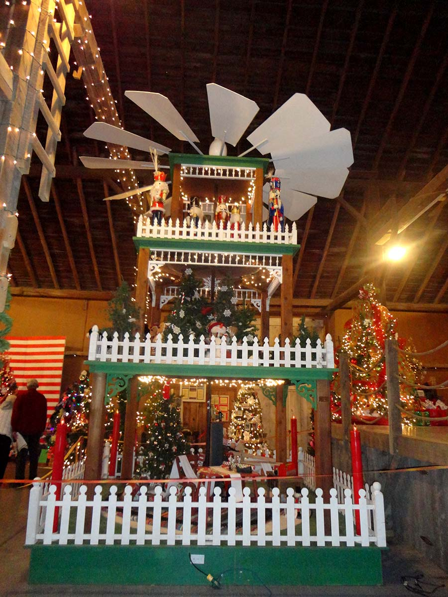 holidays in the amana colonies. Black Bedroom Furniture Sets. Home Design Ideas