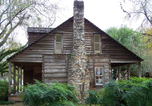 Cabin at the Melrose Plantation in Louisiana