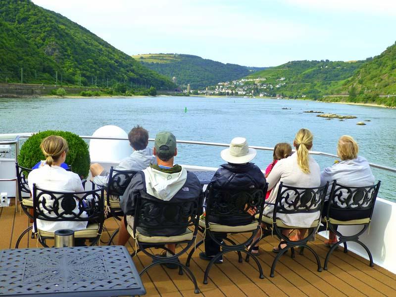 Rhine-Multigenerational families view Rhine River castles