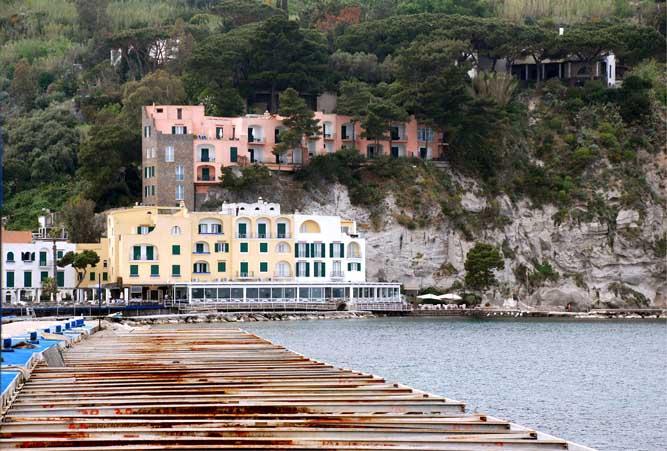 View of L'Albergo della Regina Isabella